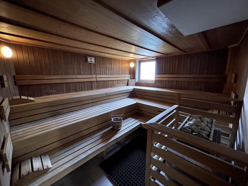 Leoben - Sauna - gr. Kabine .JPG