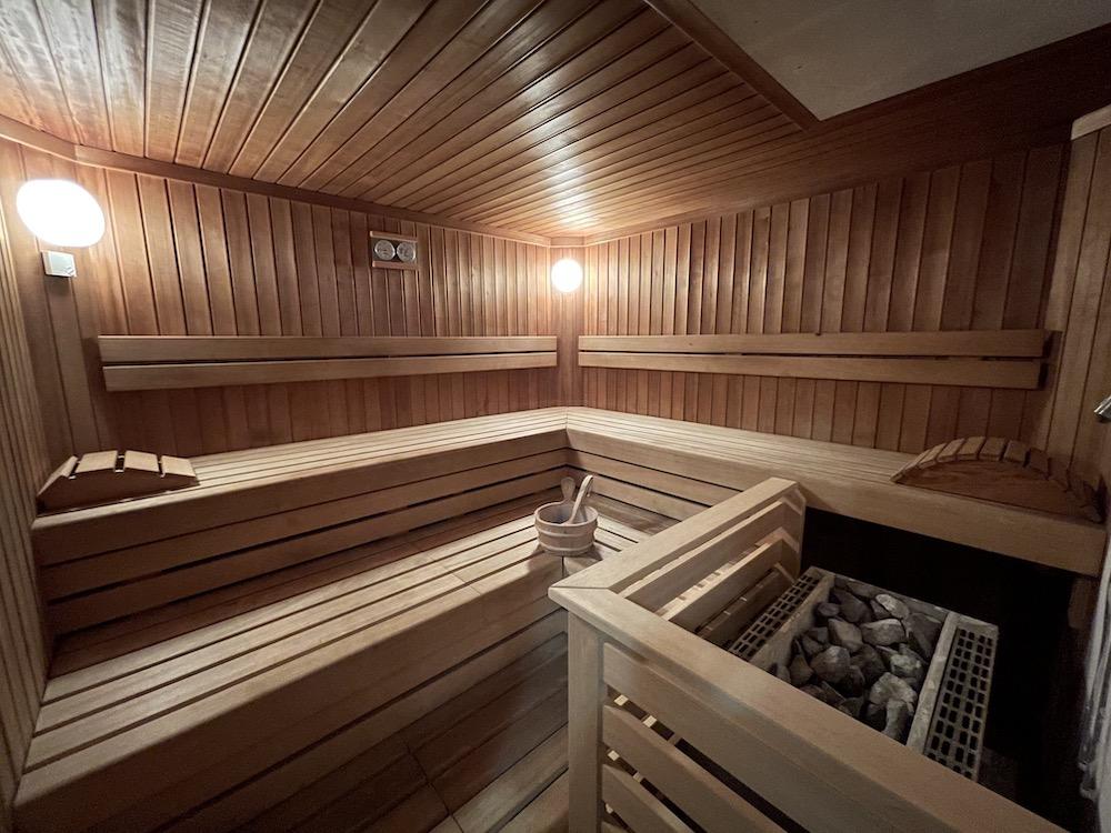 Leoben - Sauna - kl. Kabine.JPG